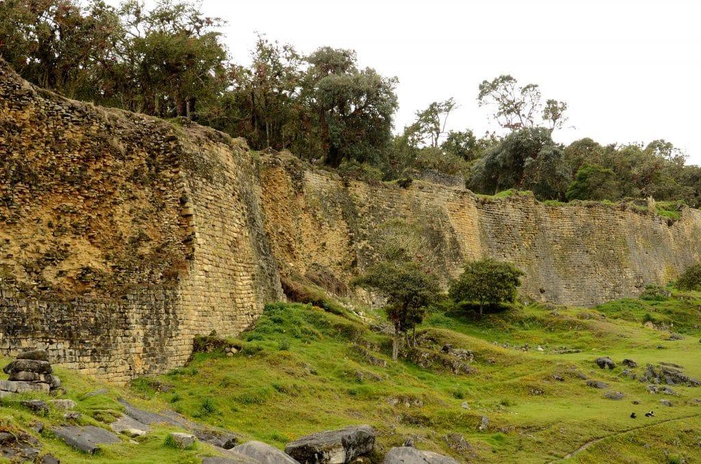 Mauer der Festung Kuelap, Amazonas, Norden von Peru