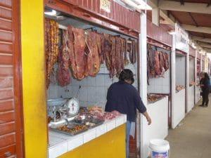 Fleisch auf dem Markt Chachapoyas, Nord Peru
