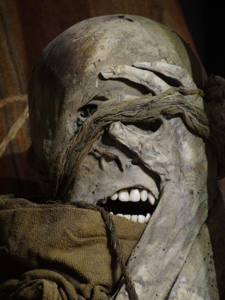 mumie laguna de los condores, amazonas