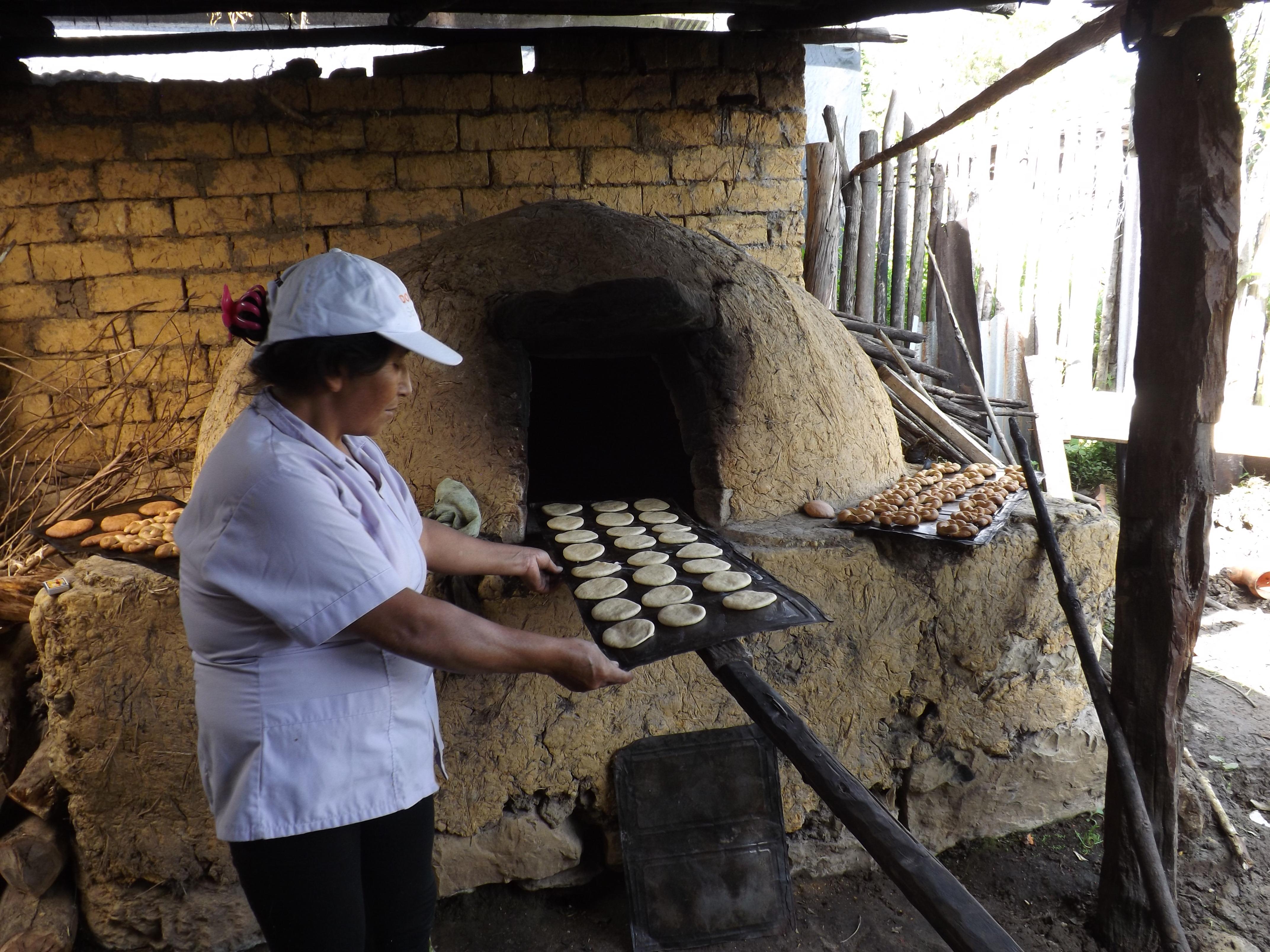 Brot backen, traditionnelle Aktivitäten in Cuispes