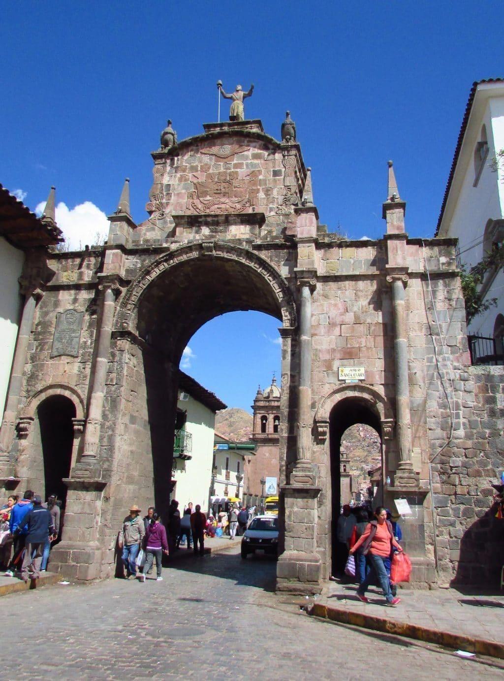 Puerta Santa Clara Cusco
